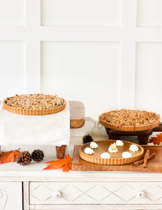 Thanksgiving Pie Special (Pumpkin Pie/Blueberry Crumble)